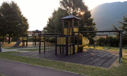 Parchetto pubblico di Valmadrera: nuovo look e nuovi giochi