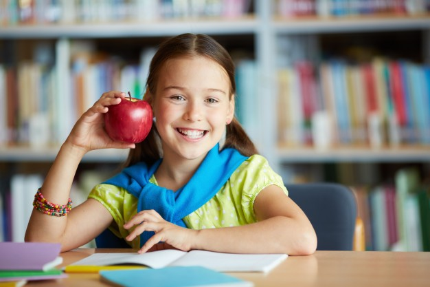 Alimentazione sana e integratori: combo vincente per aiutare lo studio