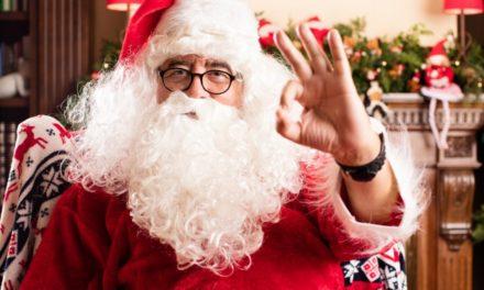 Bambini, a Mandello del Lario c'è Babbo Natale che sfila con i motocarri!