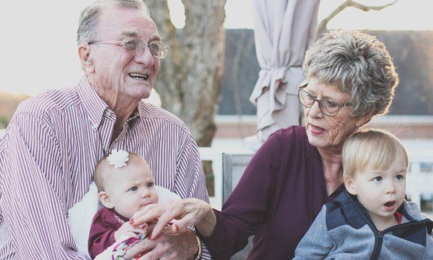 """Il Centro Psychè consiglia """"7 modi per vivere al meglio il rapporto genitori-nonni"""""""